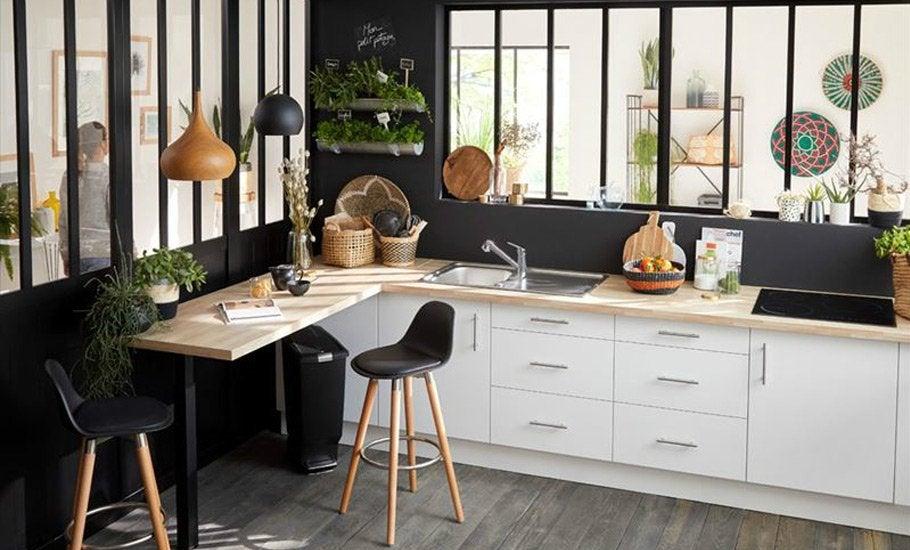 Une cuisine avec verrière atelier | Leroy Merlin