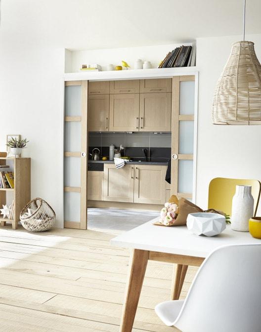 cuisine semi ouverte pour jouer avec l 39 espace. Black Bedroom Furniture Sets. Home Design Ideas