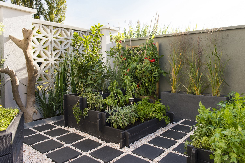 coin salon de jardin sur graviers - Ecosia