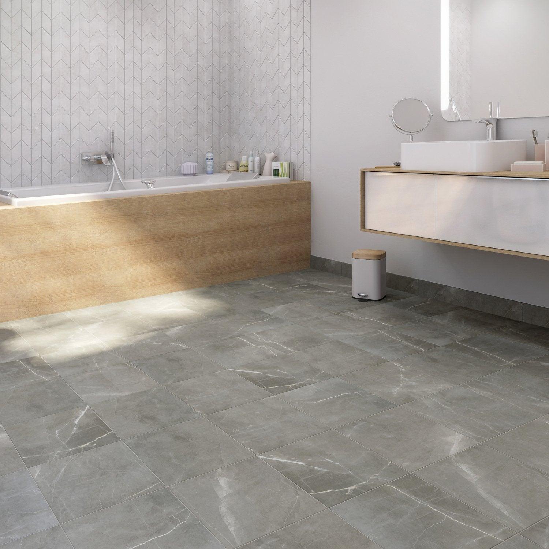 du carrelage effet marbre gris pour une salle de bains. Black Bedroom Furniture Sets. Home Design Ideas
