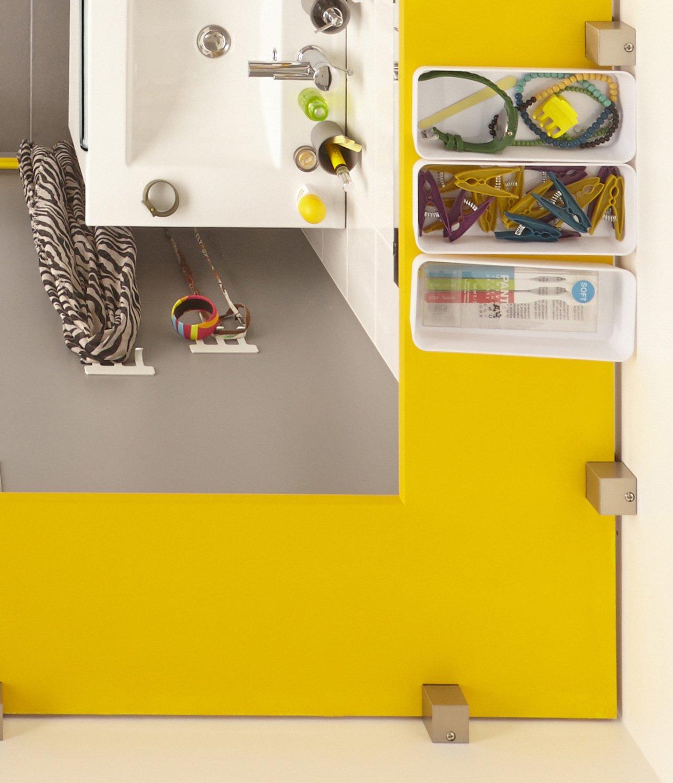 Une salle de bains jaune et grise | Leroy Merlin