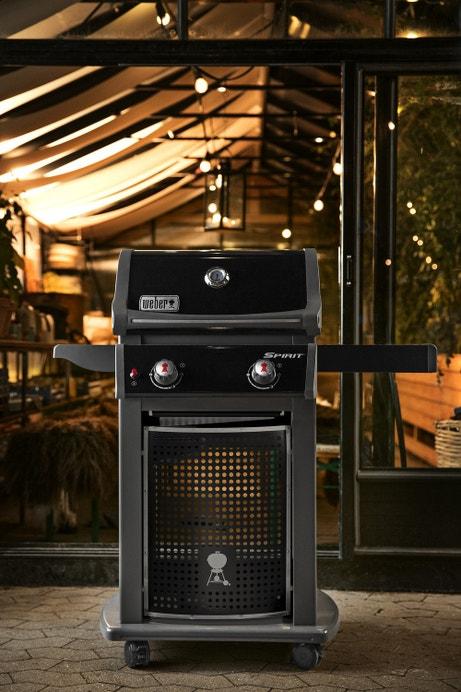 Un barbecue gaz avec deux brûleurs pour préparer de bons petits plats