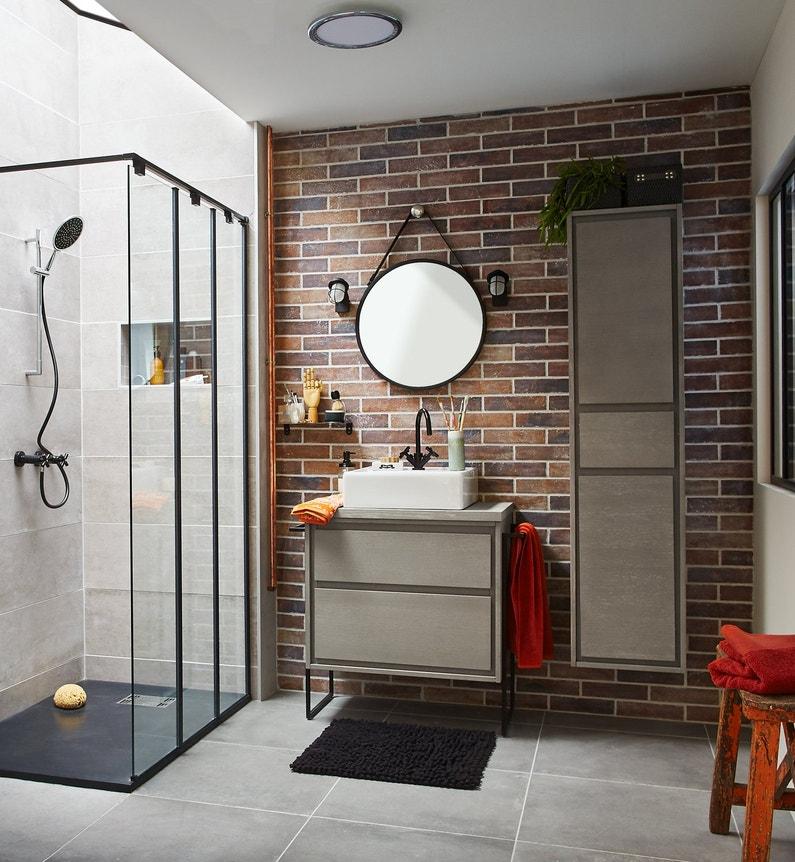 une salle de bains petite et confortable leroy merlin. Black Bedroom Furniture Sets. Home Design Ideas
