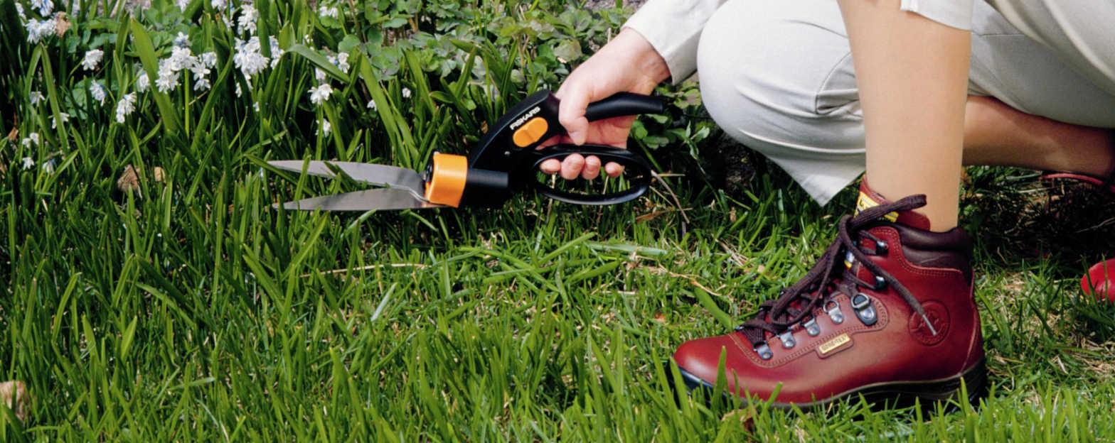 Comment choisir ses outils main pour le gazon leroy merlin - Arrosage gazon apres semis ...