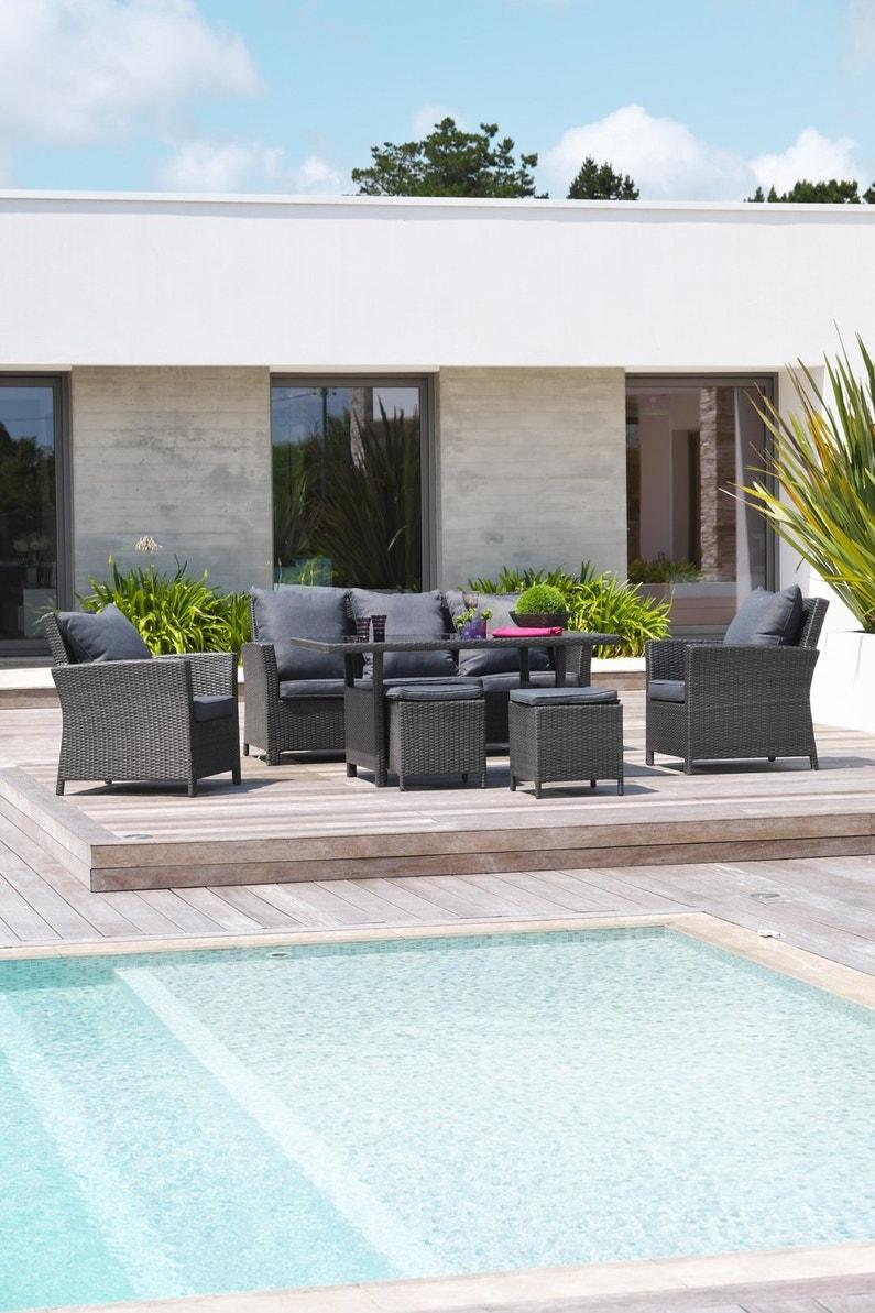 un espace repas contemporain avec un salon de jardin en r sine tress e gris leroy merlin. Black Bedroom Furniture Sets. Home Design Ideas
