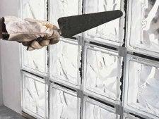 comment monter un mur de briques de verre en pose traditionnelle leroy merlin. Black Bedroom Furniture Sets. Home Design Ideas