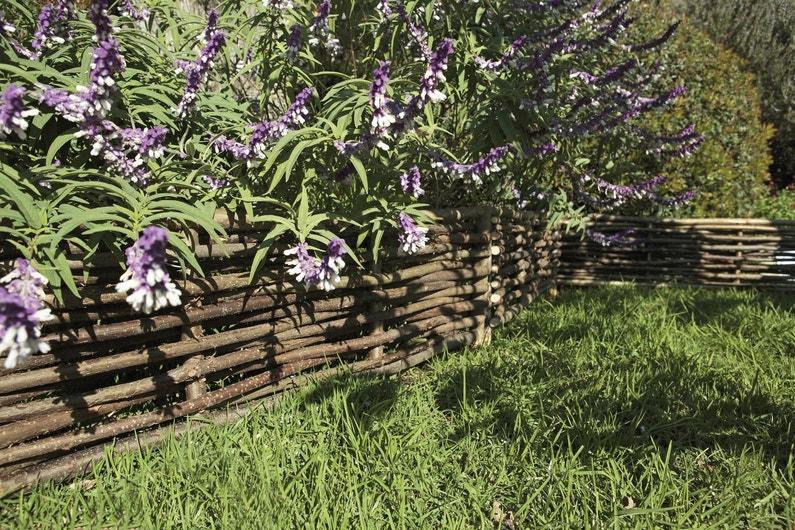 Les bordures dessinent votre jardin - Bordure jardin bois tresse ...