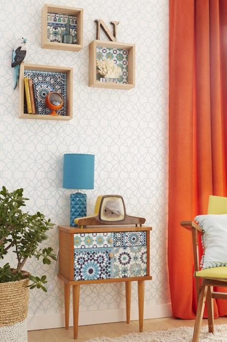 Illuminer son salon avec des motifs colorés