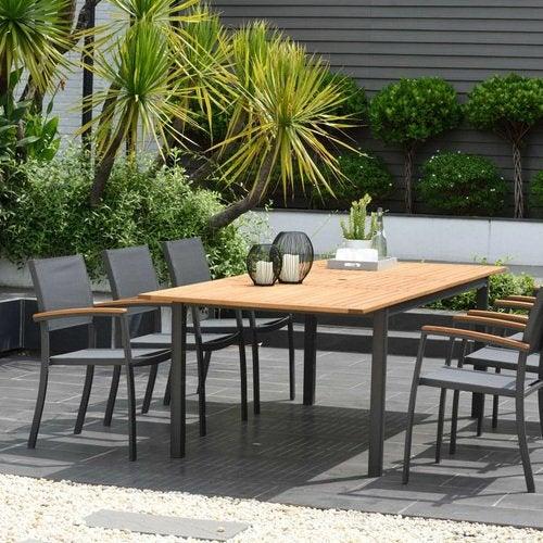 Salon de jardin, table et chaise
