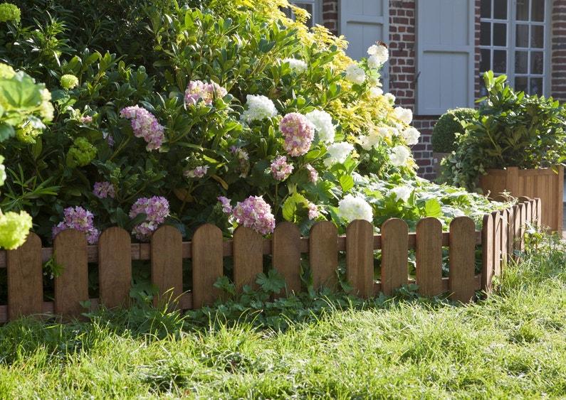 les bordures dessinent votre jardin. Black Bedroom Furniture Sets. Home Design Ideas