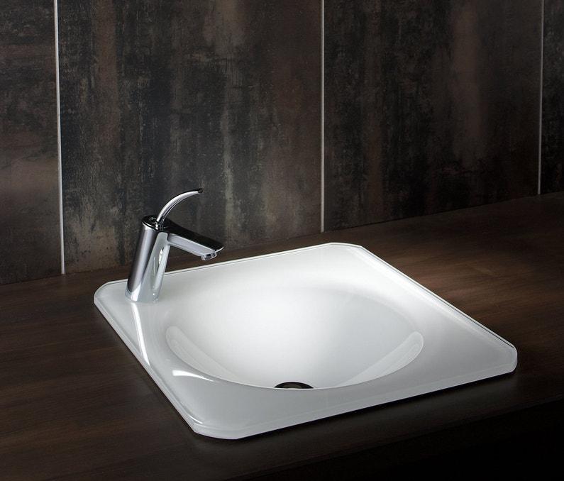 une vasque blanche encastrer qui contraste dans une salle de bains sombre leroy merlin. Black Bedroom Furniture Sets. Home Design Ideas