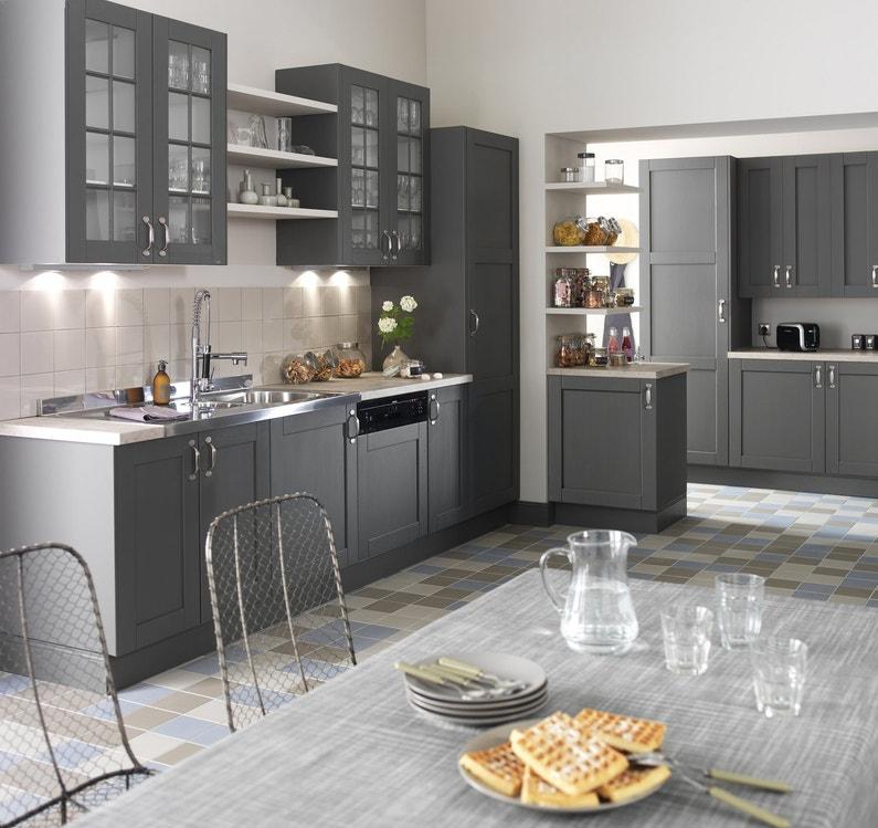 Une cuisine ergonomique et astucieuse leroy merlin for Exemple de cuisine amenagee