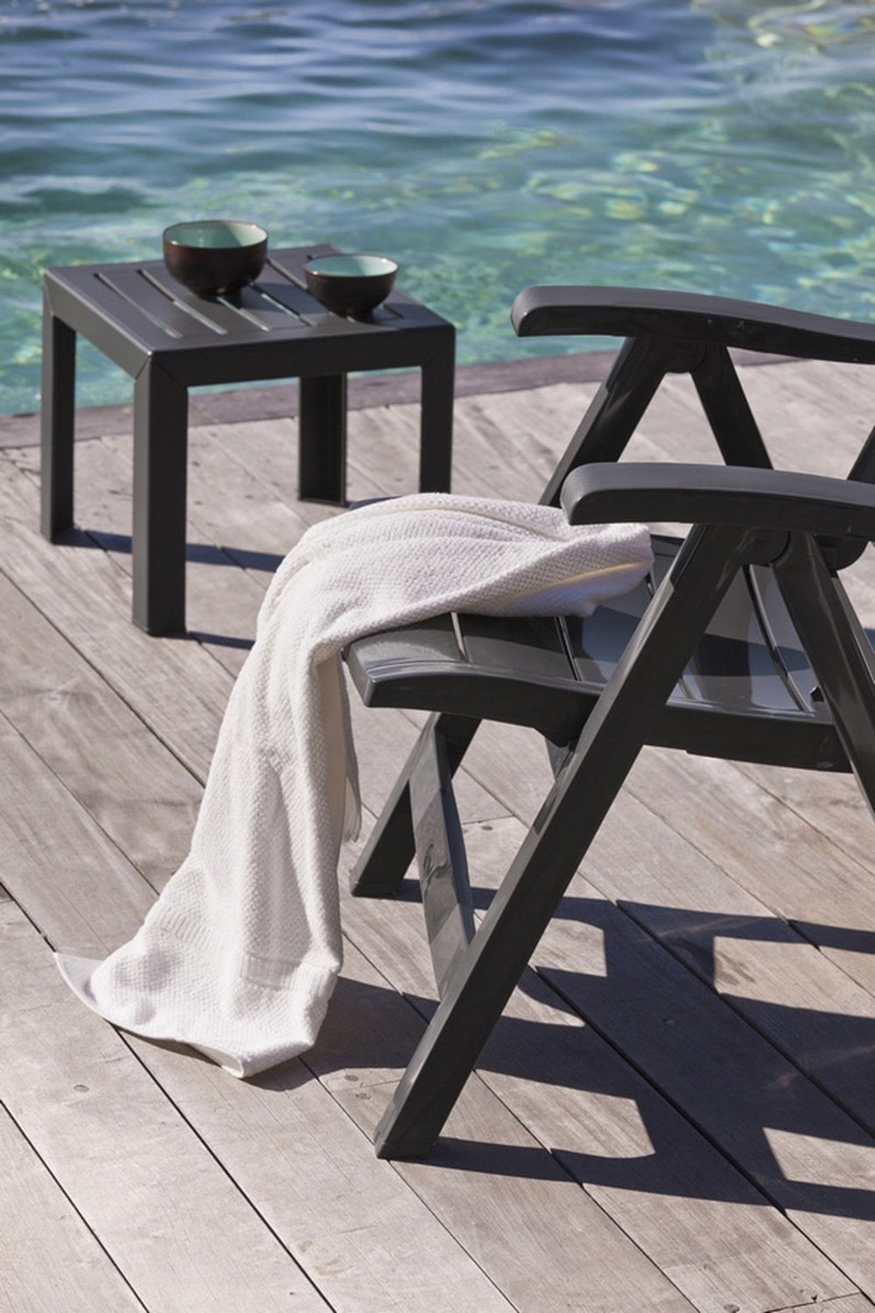 Une petite table basse gris anthracite leroy merlin - Table basse gris anthracite ...