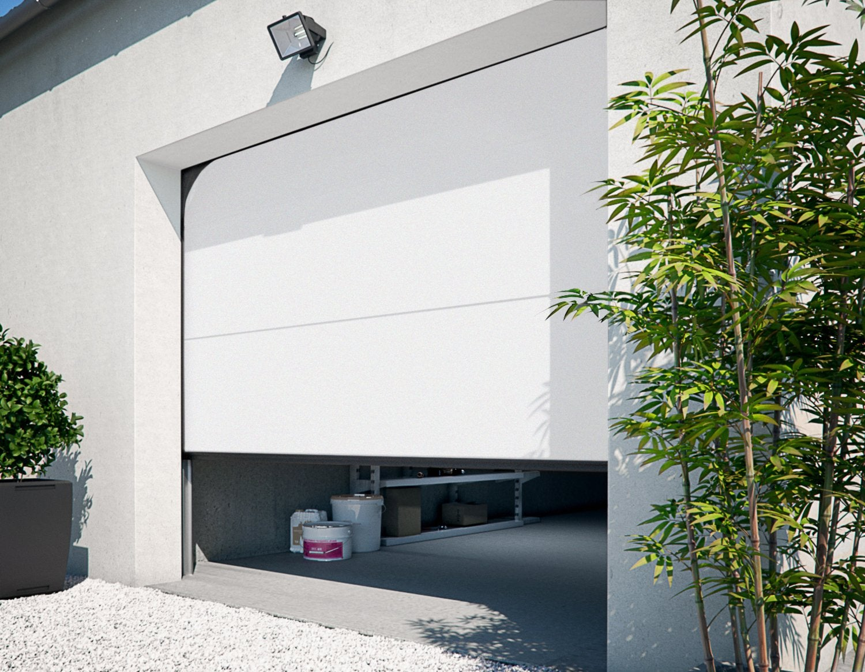 Une porte de garage sectionnelle motoris e pour faciliter for Monter une porte de garage sectionnelle leroy merlin