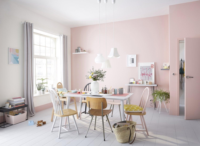 Deco Salon Gris Rose une ambiance rose pour une salle à manger pastel et épurée