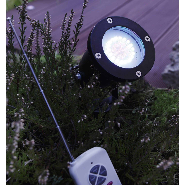 Spot piquer ext rieur led int gr e 2 w couleurs changeantes lumihome leroy merlin for Spot decoratif exterieur