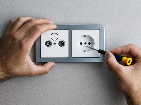 interrupteur et prise lectrique prise encastrable electricit domotique leroy merlin. Black Bedroom Furniture Sets. Home Design Ideas