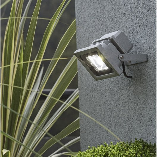 Projecteur fixer ext rieur yonkers led int gr e for Projecteur jardin exterieur