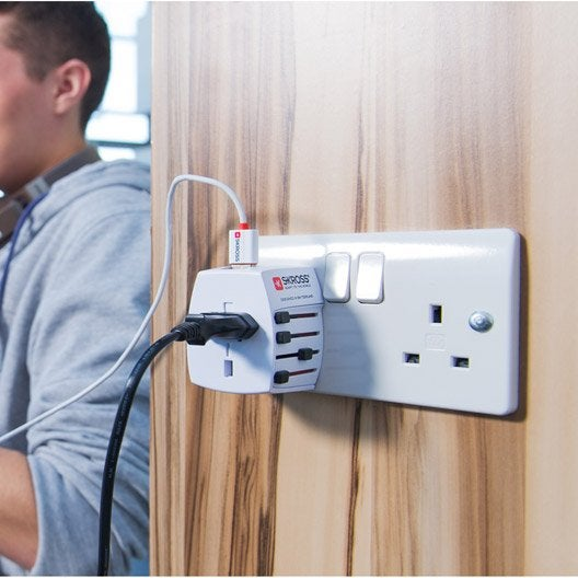 adaptateur de voyage adaptateur universel lectrique secteur au meilleur prix leroy merlin. Black Bedroom Furniture Sets. Home Design Ideas