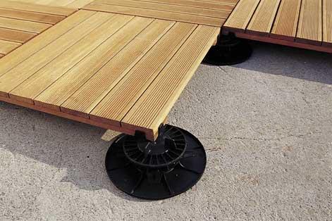 Bien choisir sa terrasse en bois leroy merlin for Planche pvc exterieur