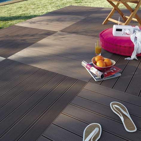 Bien choisir sa terrasse en bois leroy merlin for Dalle de terrasse en bois 1mx1m