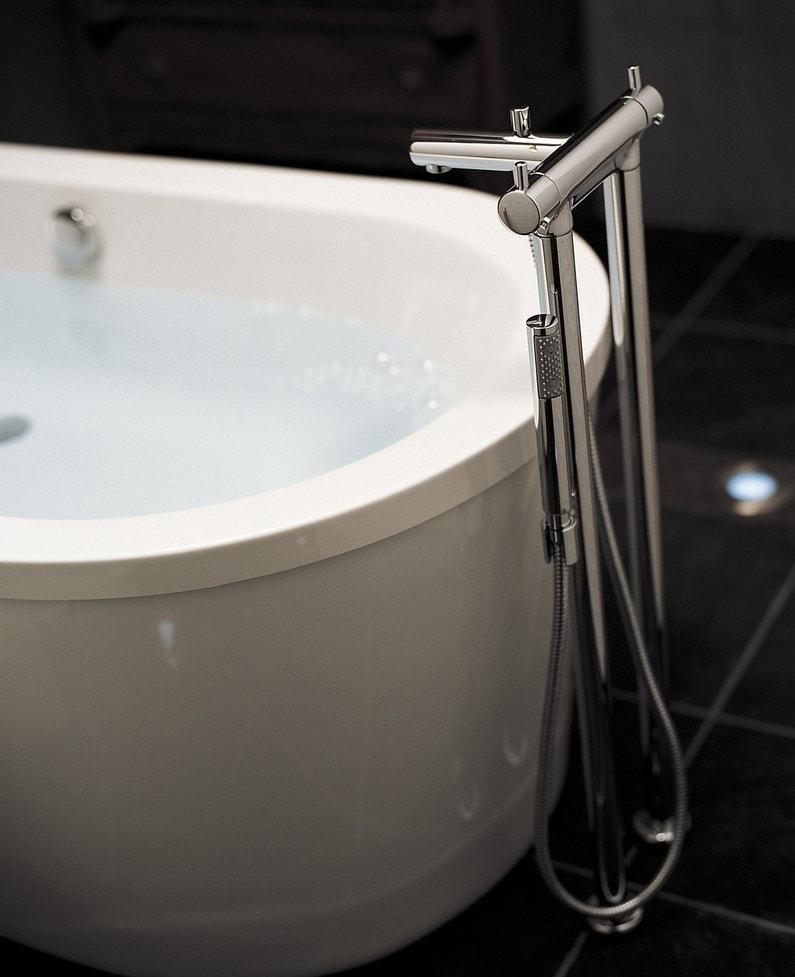 Robinets qui changent la salle de bains for Nettoyer les robinets de salle de bain