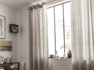 Rideaux et voilages habillent vos fenêtres