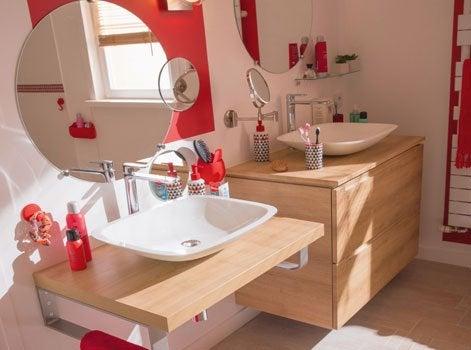 9 conseils pour adapter la salle de bains au handicap for Accessoires lavabo salle bain