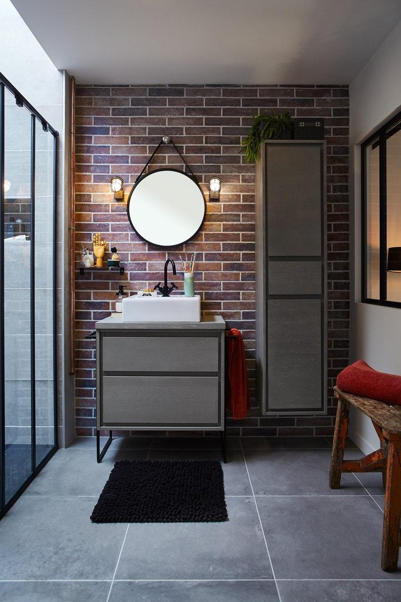 Une d co loft dans la salle de bains leroy merlin - Deco faience salle de bain ...