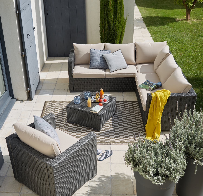 un salon cosy sur la terrasse leroy merlin. Black Bedroom Furniture Sets. Home Design Ideas