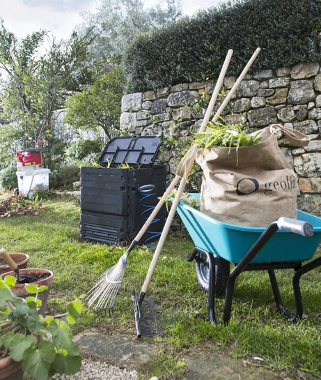 Un composteur monobloc pour le jardin