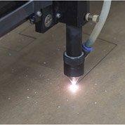 Comment s'initier à l'utilisation de la machine laser ?