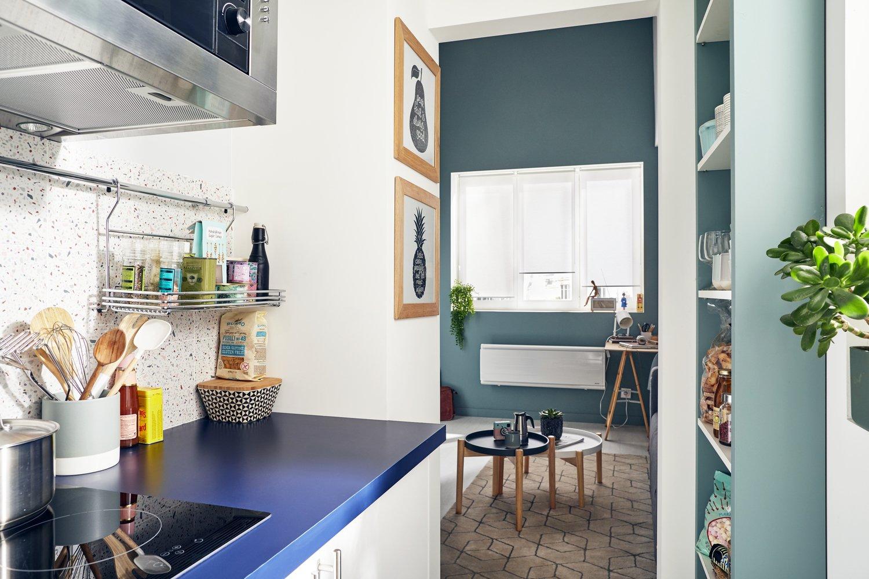 Pierre Bleue Plan De Travail Cuisine plan de travail bleu nuit pour un cuisine au style affirmé
