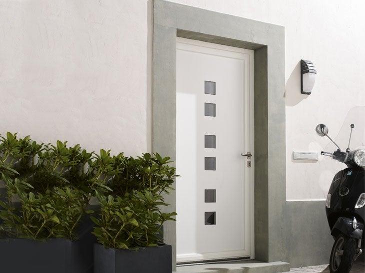Portes d 39 entr e sur mesure votre projet cl en main leroy merlin - Porte d entree maison ...