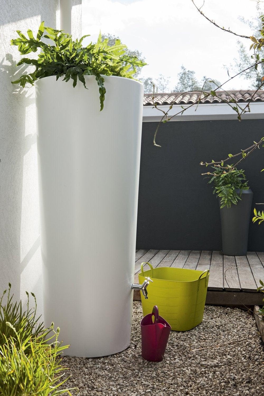 de l 39 eau de pluie pour mon jardin leroy merlin. Black Bedroom Furniture Sets. Home Design Ideas