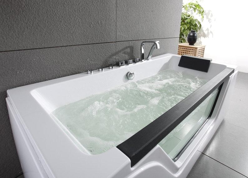 une baignoire baln o qui donne envie de se d tendre. Black Bedroom Furniture Sets. Home Design Ideas