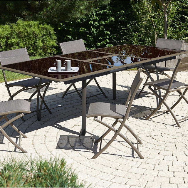 Profiter d\'une table de jardin couleur cappuccino en aluminium ...