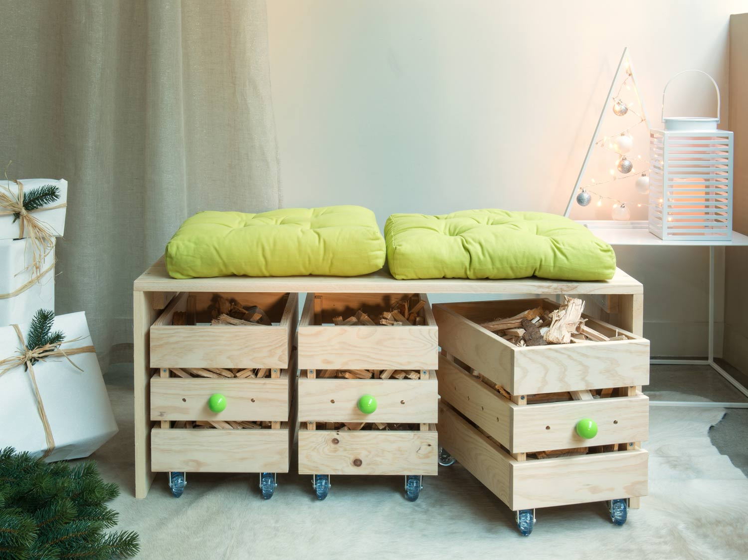 diy r aliser un banc en bois avec des rangements roulettes leroy merlin. Black Bedroom Furniture Sets. Home Design Ideas