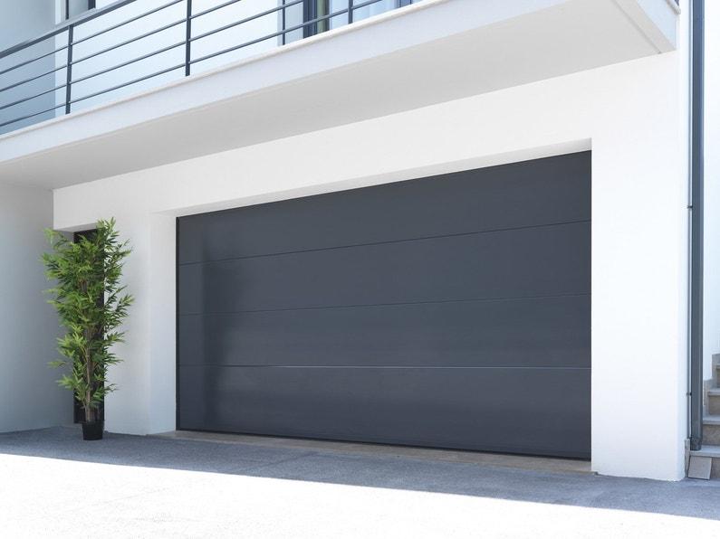 une porte de garage s curit renforc e. Black Bedroom Furniture Sets. Home Design Ideas