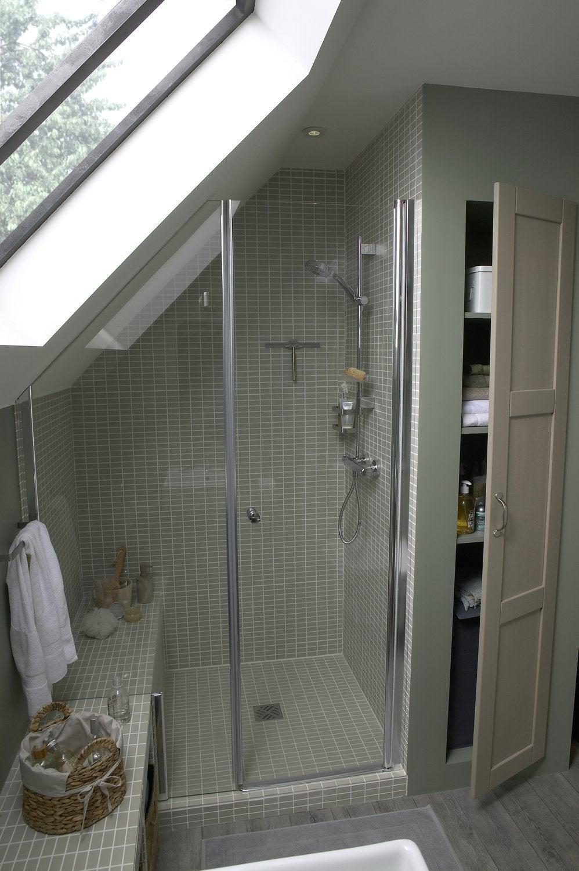 une salle de bains sous les combles leroy merlin. Black Bedroom Furniture Sets. Home Design Ideas
