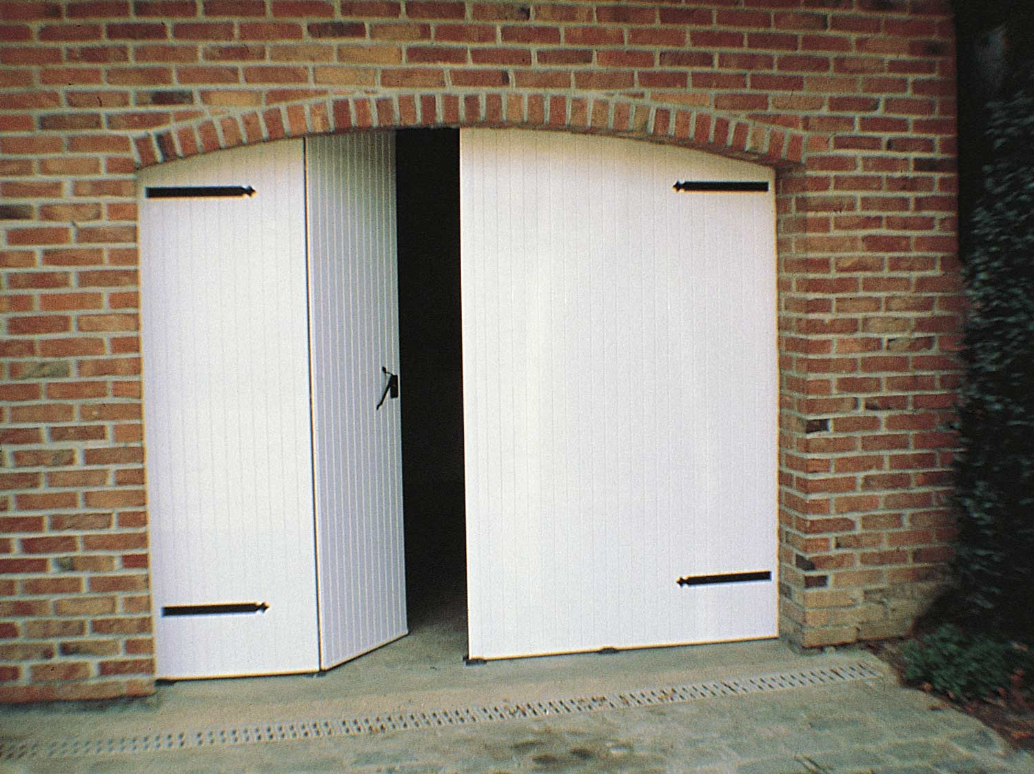 Comment Poser Une Porte De Garage Battante With Comment Installer Une Porte  De Garage