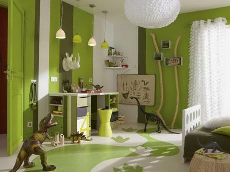 Une chambre d'enfant verte et préhistorique