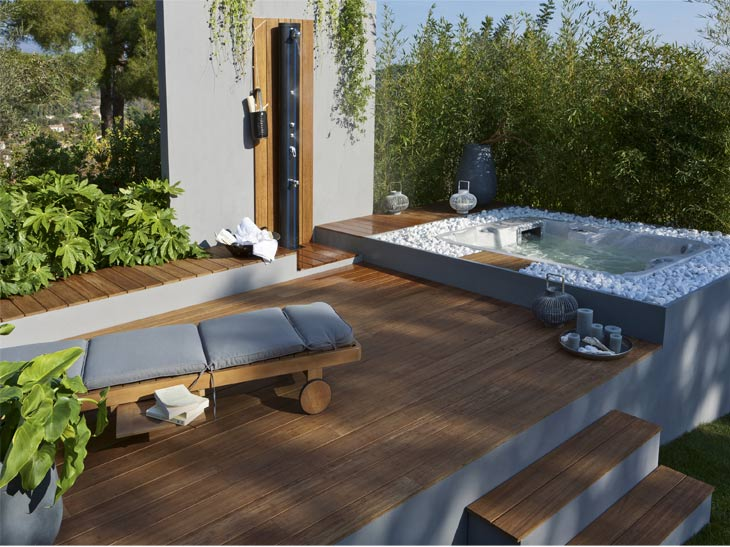 une terrasse en bois et composite. Black Bedroom Furniture Sets. Home Design Ideas