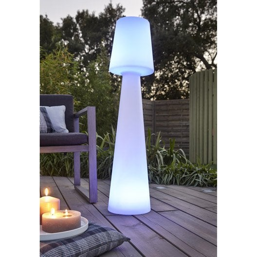 Beautiful luminaire jardin cube ideas design trends 2017 for Lampadaire exterieur rona
