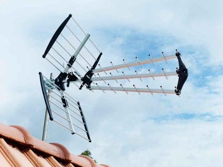bien choisir son antenne terrestre leroy merlin. Black Bedroom Furniture Sets. Home Design Ideas