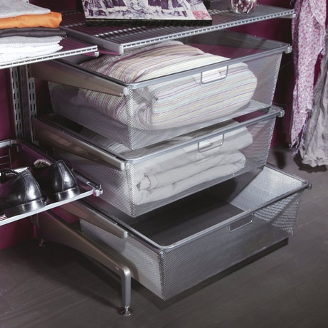Des tiroirs de rangement en métal