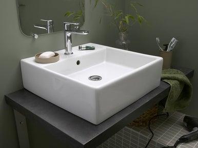 Installer un lavabo ou une vasque leroy merlin - Vasque sur plan de travail salle de bain ...