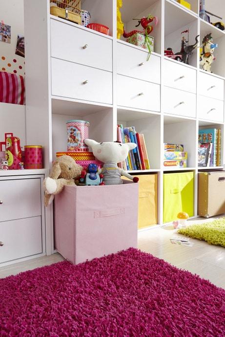 Des rangements pratiques dans une chambre d'enfant