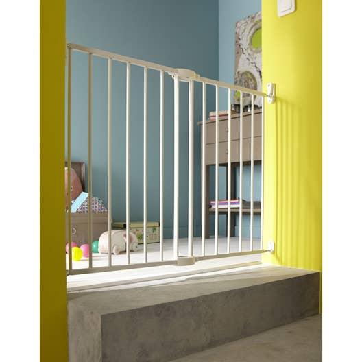 barri re de s curit en m tal 63 5 102 cm haut 68 cm leroy merlin. Black Bedroom Furniture Sets. Home Design Ideas