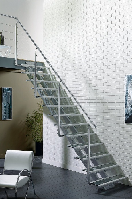 Escalier gris esprit industriel
